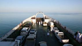"""Masirah, Oman-†""""im Dezember 2015: Fähre reist von der Insel von Masirah ab stock video footage"""
