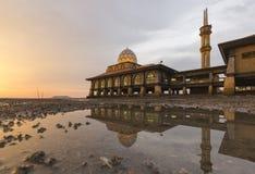 Masjid Al Hussain i den Kuala Perlis staden, Malaysia Royaltyfri Foto