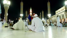 Masjid Al Nabawi of Nabawi-Moskeemoskee van de Helderziende in Medina-Stad van Lichten, Saudi-Arabië stock video