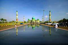 Masjid Annur Pekanbaru. This iconic building is the biggest Mosque in Pekanbaru. Location: Jl. Hangtuah Pekanbaru, Riau, Indonesia Stock Photography