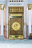 masjid nabawi的大magestic门,金门,伊斯兰教的建筑学,回教 免版税库存照片