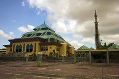 Masjid Raya Batam Pyramidemoschee Stockfotografie