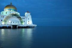 Masjid Selat bij Blauw Uur Royalty-vrije Stock Afbeeldingen