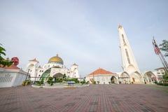 Masjid Selat Melaka或马六甲在美好的日出期间的海峡清真寺 免版税库存图片
