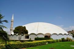 Masjid Tooba of Ronde Moskee met marmeren koepelminaret en tuinendefensie Pakistan Van karachi stock afbeeldingen