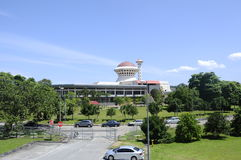Masjid Universiti Putra Malaysia på Serdang, Selangor, Malaysia Royaltyfria Bilder