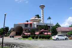 Masjid Universiti Putra Malaysia på Serdang, Selangor, Malaysia Royaltyfri Foto