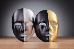 Maska przeciw tłu Zdjęcia Royalty Free