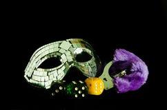 Maske und Handschellen Stockfotografie
