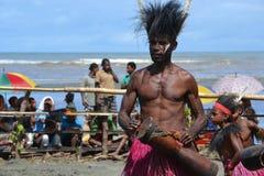 Maskenfestival Papua-Neu-Guinea des traditionellen Tanzes Stockbild