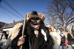 Masker de carnaval en fourrure chez le 'Busojaras', le carnaval de l'enterrement de l'hiver Photo libre de droits