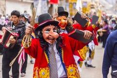 Maskerad dansareVirgen del Carmen Pisac Cuzco Peru Arkivbilder