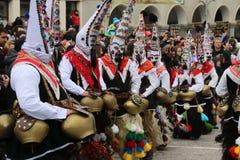 Maskeradfestival i den Shiroka lakaen, Bulgarien royaltyfria bilder
