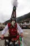 Maskeradfestival i den Shiroka lakaen, Bulgarien arkivbild