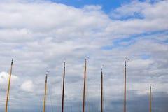 Maskeringar av fartyg i hamn Royaltyfria Bilder
