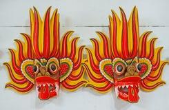 Maskeringarna av branddansare arkivbild