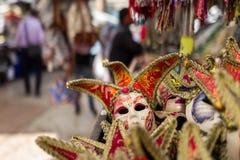 Maskers op de markt van Verona stock foto