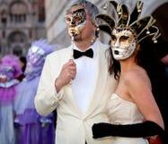 Maskers op Venetiaans Carnaval, Venetië, Italië Stock Afbeeldingen