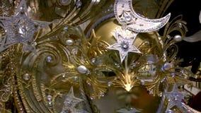 Maskers van Venetië stock footage
