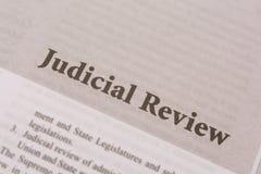 Maski, Karnataka, Inde - JANVIER, 09,2019 : Révision judiciaire imprimée sur le papier images stock