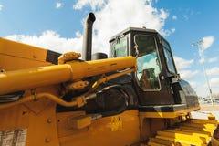 Maskin för grävskopaladdare Sidosikt av Front Hoe Loader industriellt medel Tung utrustningmaskin Pneumatisk lastbil Constructio royaltyfria bilder