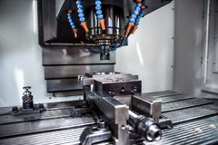 Maskin för MetalworkingCNC-malning Royaltyfria Foton