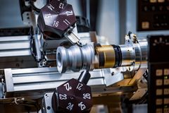 Maskin för MetalworkingCNC-malning Modern processin för bitande metall fotografering för bildbyråer