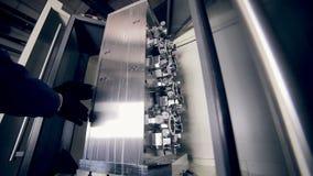 Maskin för teknikeraktiveringsCNC lager videofilmer