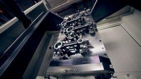 Maskin för teknikeraktiveringsCNC arkivfilmer