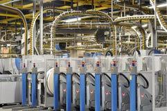 Maskiner av en stor printingväxt - printing av dagstidningen royaltyfria bilder