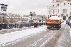 Maskiner för snöborttagning Arkivbild
