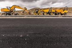 Maskineri av olika typer för vägkonstruktion royaltyfri bild
