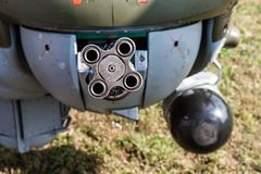 Maskingevär i en helikopter Arkivbilder