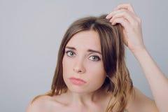 Maskowy stresów vitamits pojęcie Zamyka w górę fotografii smutny nieszczęśliwy worr obrazy stock