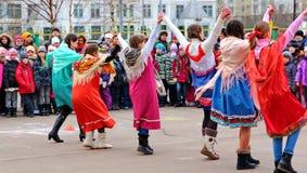 Maslenitsa, des vacances traditionnelles de ressort en Russie Photographie stock