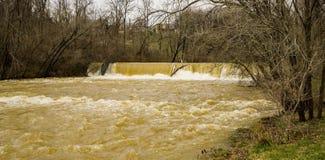 Mason Creek Dam al livello di piena - 2 fotografia stock libera da diritti