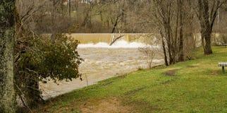 Mason Creek Dam på flodetapp - 3 royaltyfri fotografi