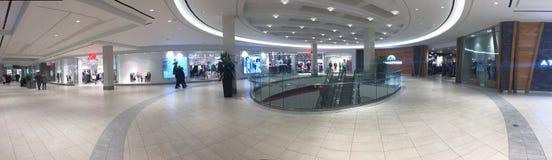Masonville购物中心社论照片在伦敦安大略加拿大显示缓慢的购物环境的全景 库存图片