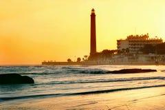 Maspalomas海滩和灯塔在日落 canaria gran西班牙 免版税库存照片