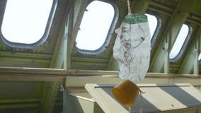 Masque à oxygène sur l'avion clips vidéos