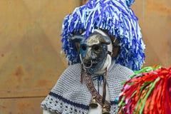 Masque avec le klaxon et le chapeau à la province d'Aliano de Matera Images stock