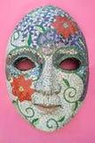 Masque de carnaval sur le mur chez Olinda, Pernambuco, Brésil photos libres de droits