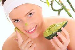 Masque de massage facial d'avocat Photo stock