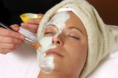Masque de massage facial de station thermale Photo stock
