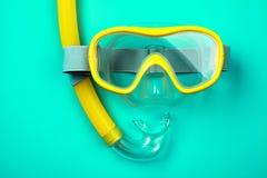 Masque et tube naviguants au schnorchel Image stock