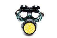 Masque protecteur et lunettes d'isolement sur le blanc Photographie stock libre de droits
