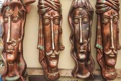 Masque tribal coloré indien des hommes et des femmes Image stock