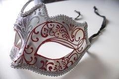 Masque vénitien coloré typique photographie stock libre de droits