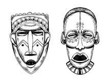 Masques africains des sauvages gravant le vecteur de style Photographie stock