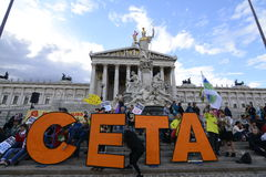Mass demonstration against CETA and TTIP in Vienna. Vienna, Austria. 17th September, 2016. Mass demonstration against the planned trade agreements with Canada Stock Photo